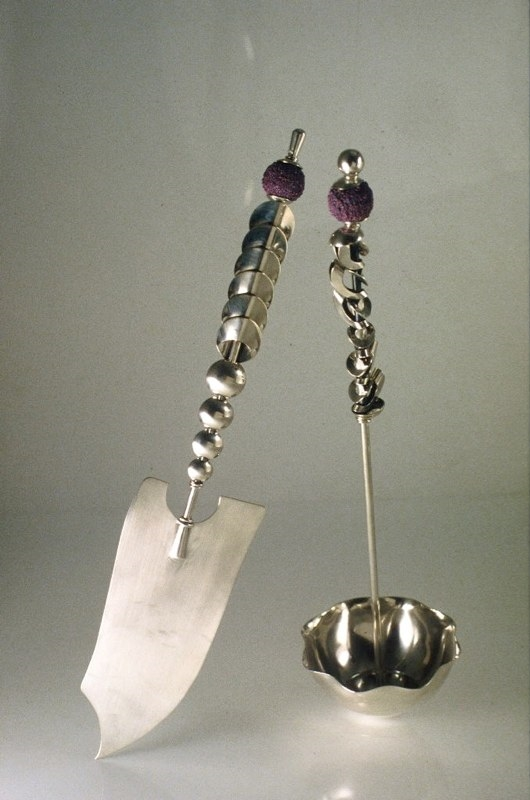 A Lady's Pearls Ladle & Slice  *Private Collection